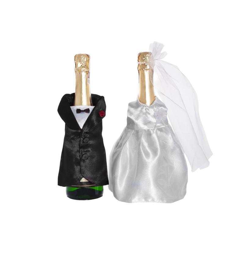 Cubre botellas con vestimenta de traje y vestido