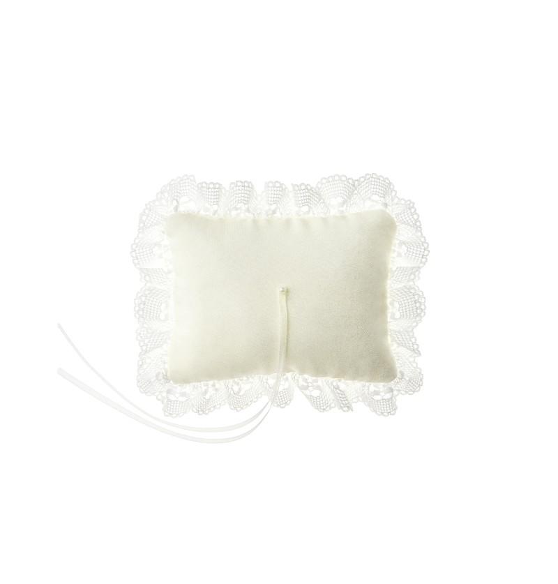 Cojín rectangular blanco con puntillas para anillos