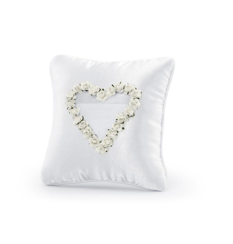 Cojín blanco con corazón de rosas blanco para anillos
