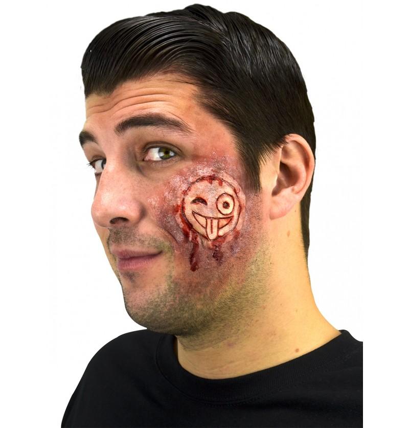 prtesis grabado en piel emoji sangriento